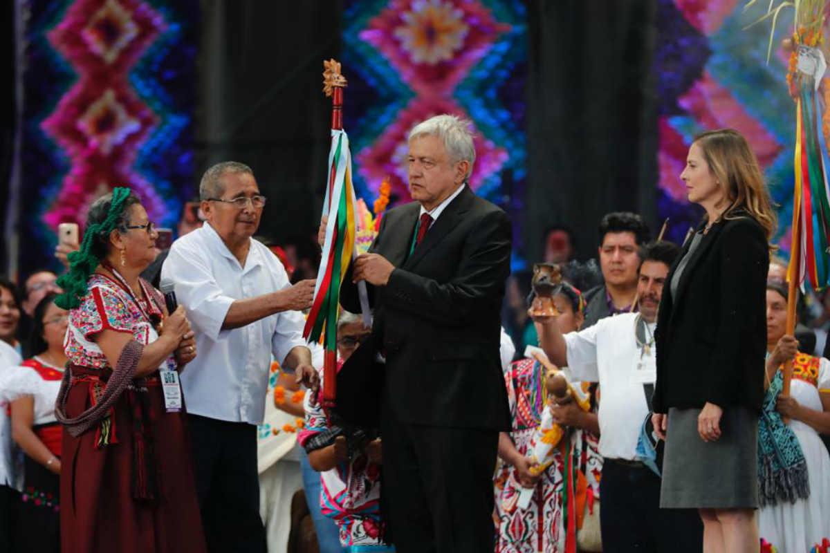 Andrés Manuel recibió el bastón de mando de Pueblos Indígenas (Especial)