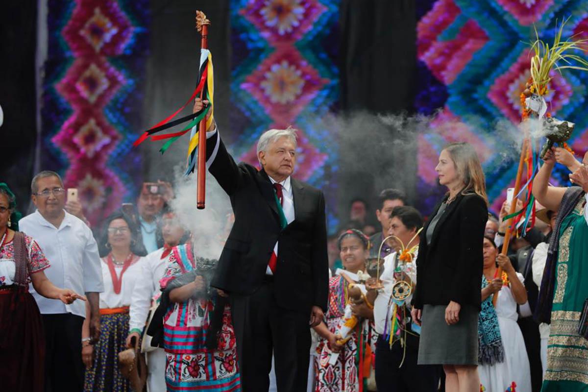 Bastón de Mando, AMLO, López Obrador, Zócalo capitalino, Indígenas, Cuarta Transformación, purificación,