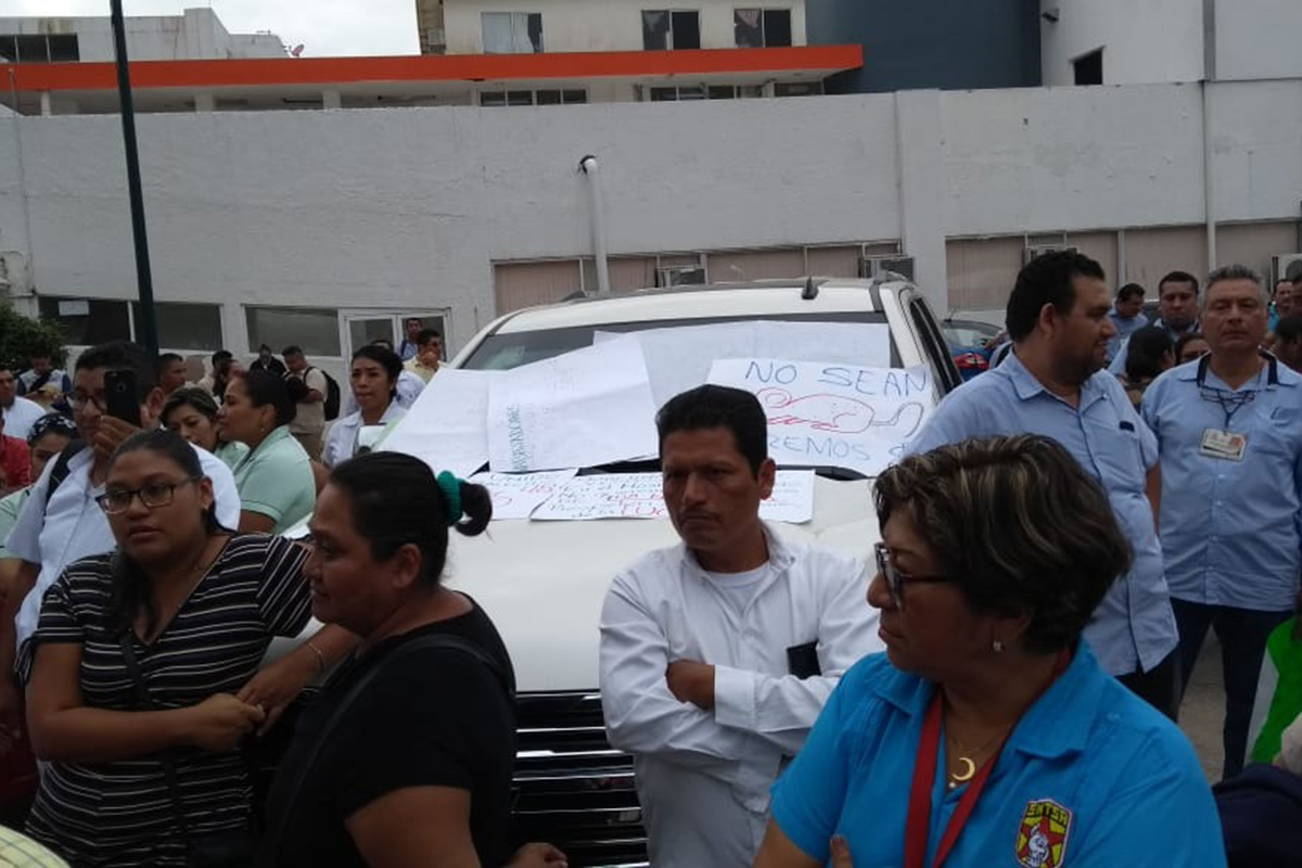 Tabasco, esposa, Arturo Núñez, hospitales, retención