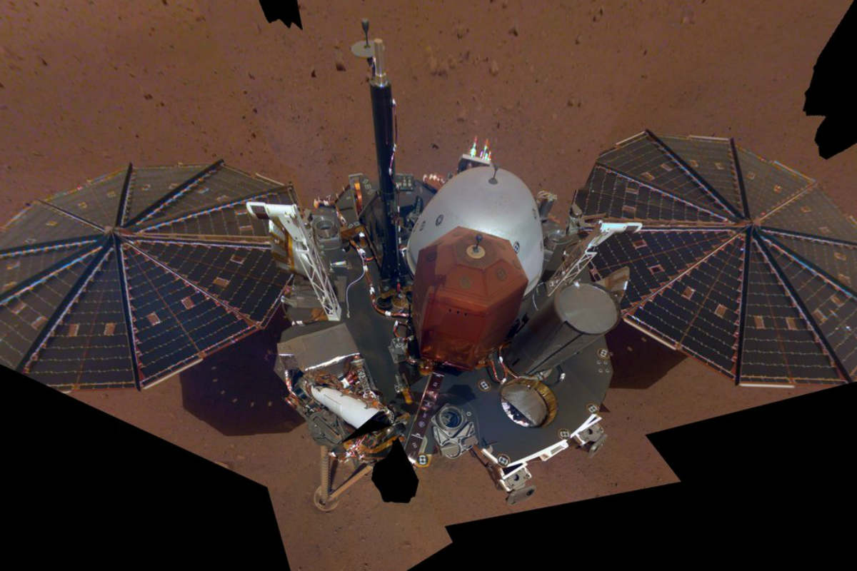 """Misión InSight muestra primera """"selfie"""" en Marte"""