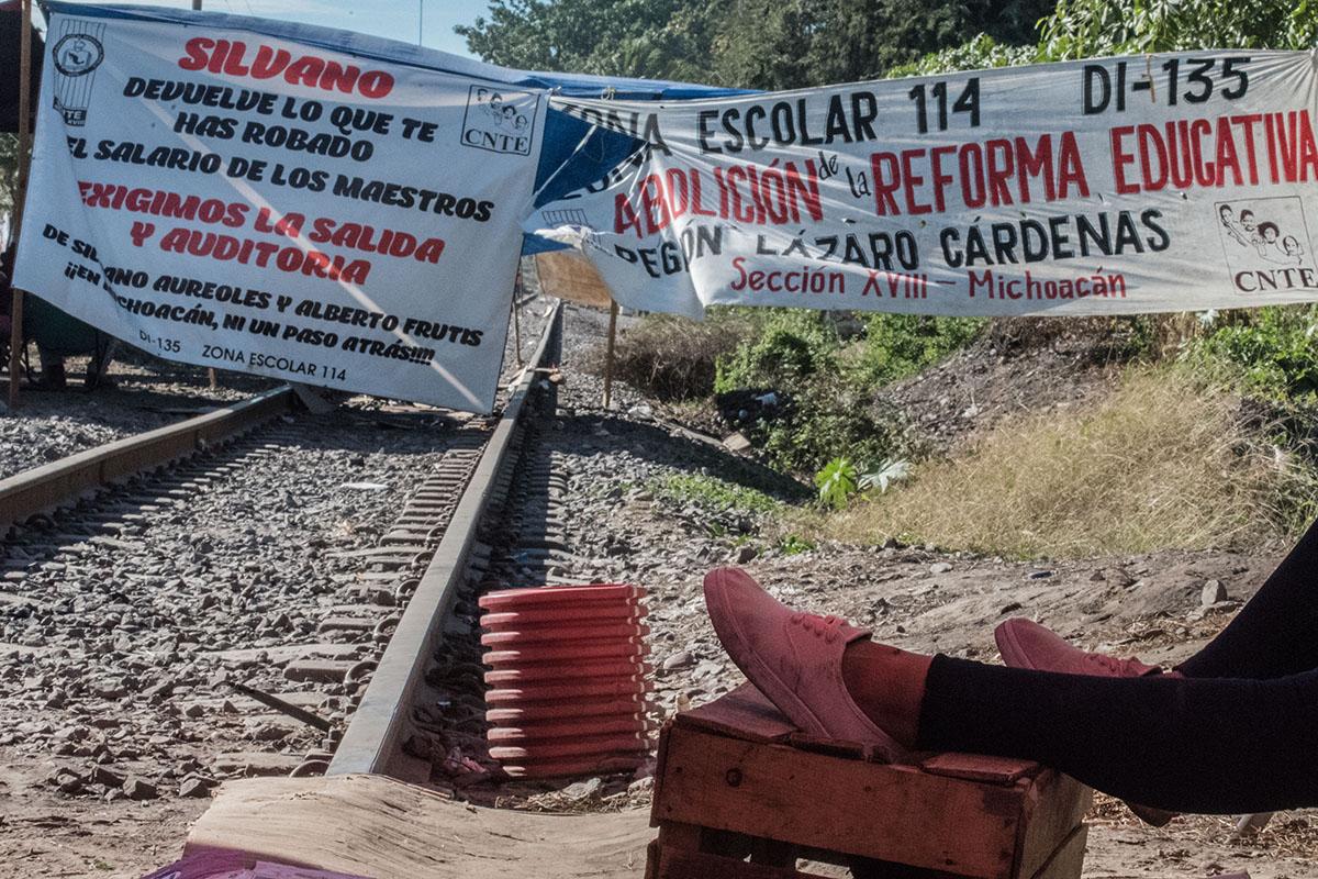 CNTE, Maestros, Vías del tren, Michoacán, plantón, paro, Silvano Aureoles,