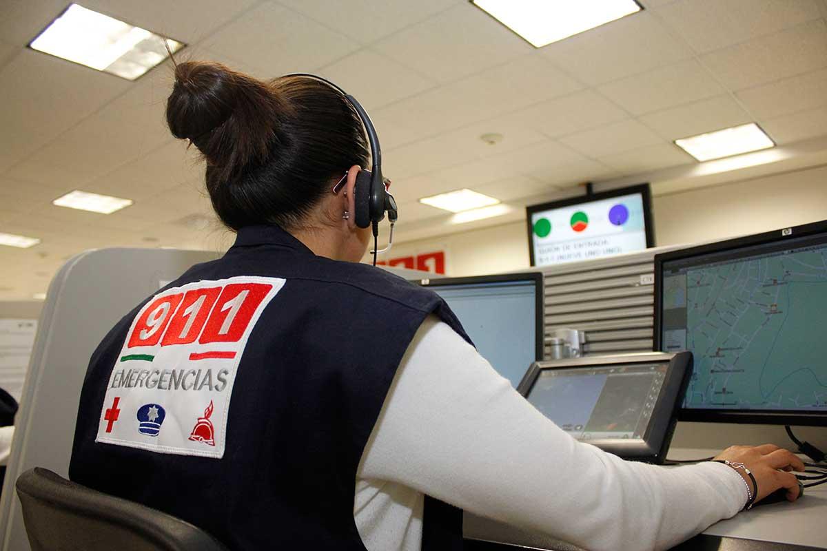 Teléfono de emergencia, 911, Locatel