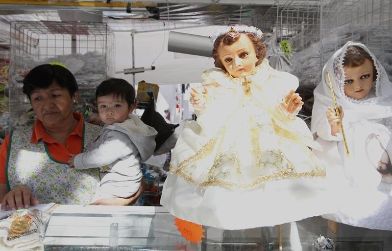 Transgreden La Tradición De Vestir Al Niño Dios Siete24