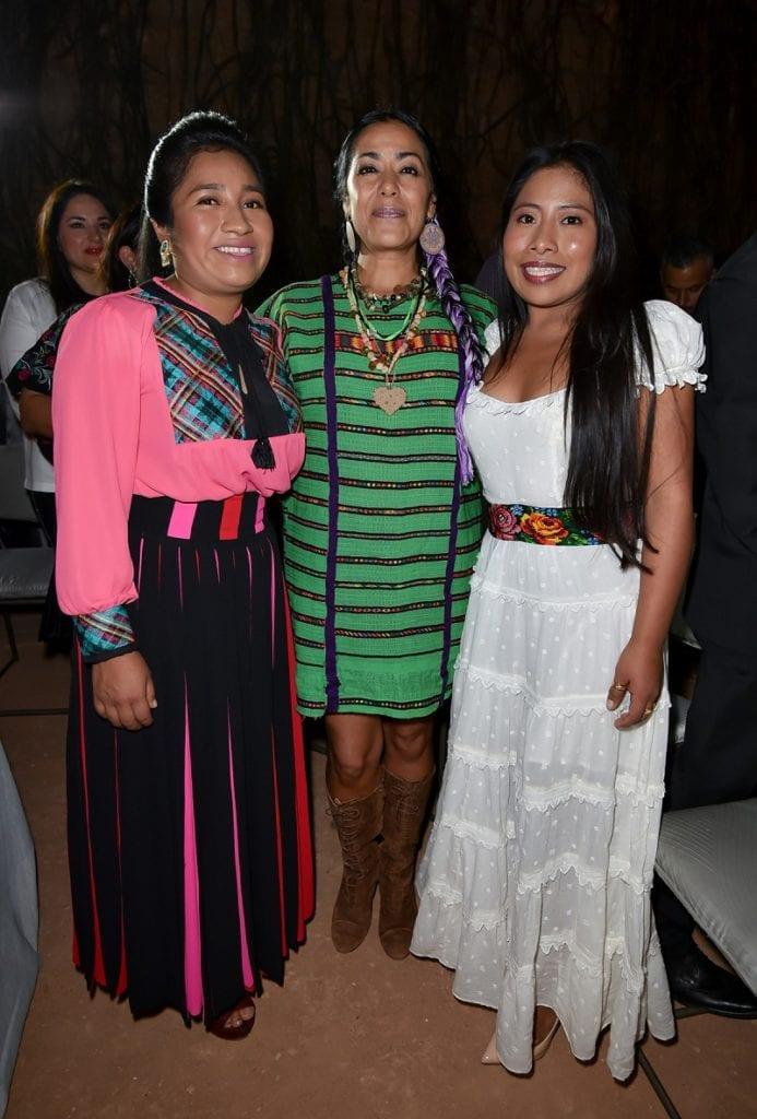 """90125076. Oaxaca, 25 Ene 2019 (Notimex-Vogue).- La actriz mexicana Yalitza Aparicio, nominada al Oscar por su trabajo en la película Roma, expresó el orgullo que siente por sus raíces durante la cena que el gobierno del estado de Oaxaca le organizó en esta ciudad junto con la revista """"Vogue"""". NOTIMEX/FOTO/VOGUE/COR/ACE/MUJER17/"""