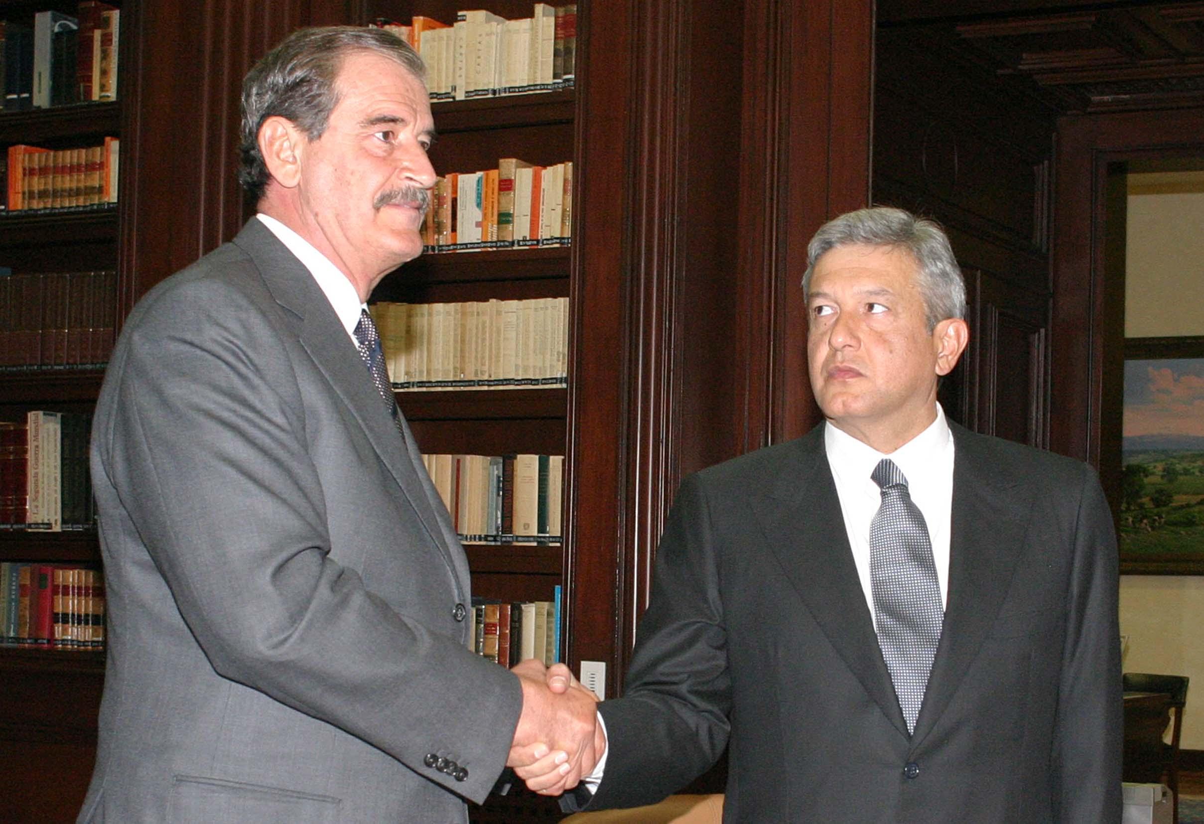 Consulta Mitofsky, Vicente Fox, Andrés Manuel López Obrador, encuestas, popularidad,