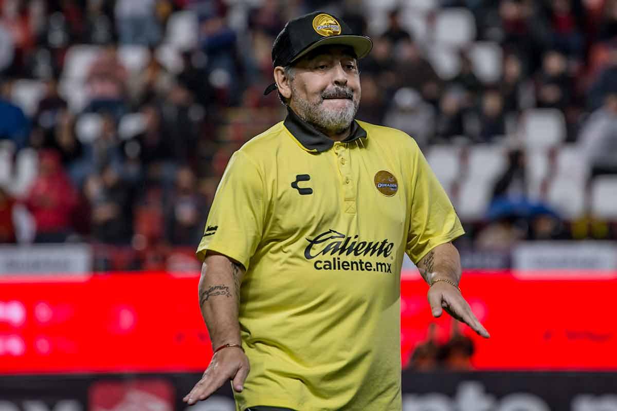 Diego Armando Maradona, Dorados,