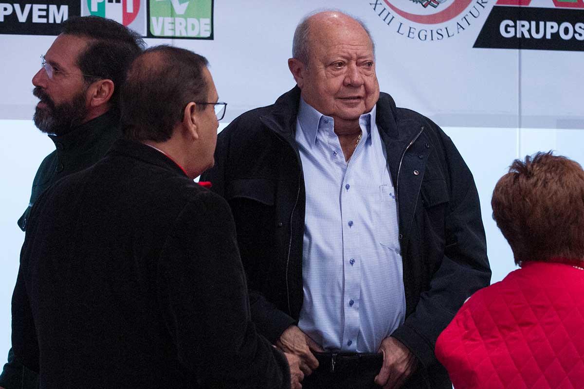 Carlos Romero Deschamps, Pemex, Sindicato de Trabajadores Petroleros de la República Mexicana, petroleros,