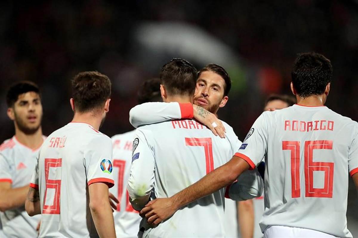 España e Italia ganaron en duelos eliminatorias para la Eurocopa. Foto: EFE