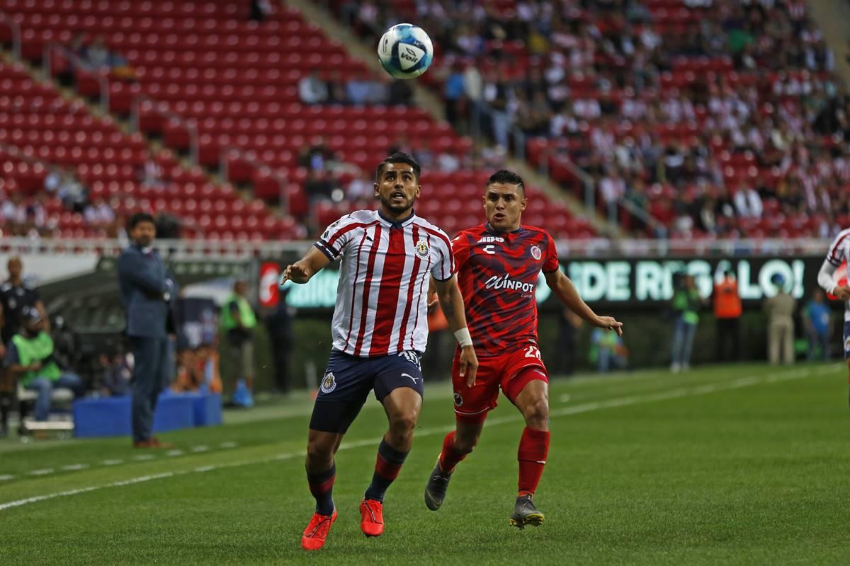 Miguel Ponce causará baja de Chivas por dos semanas. Foto: Cuartoscuro