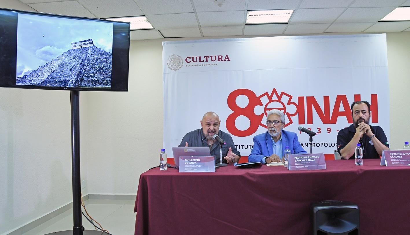 Guillermo de Anda explica el hallazgo arqueológico