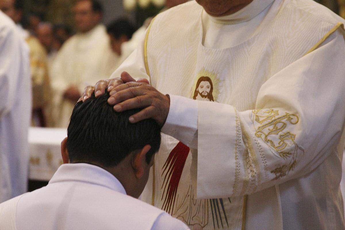 Iglesia, equipo antipederastia, Carlos Aguiar Retes, Arquidiócesis Primada de México, Joaquín Aguilar,