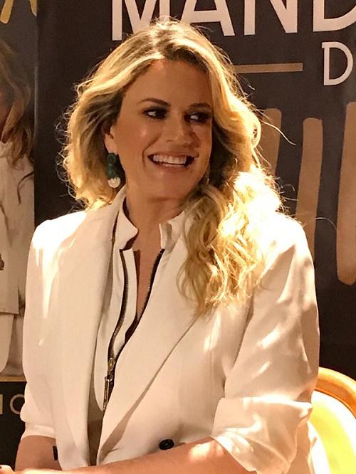 Rebecca de Alba
