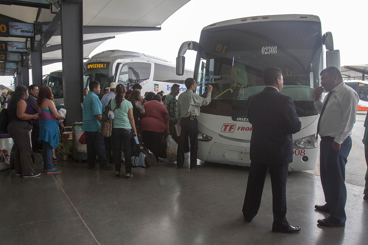 pasajeros, transporte, autobuses, central camionera, Cofece,