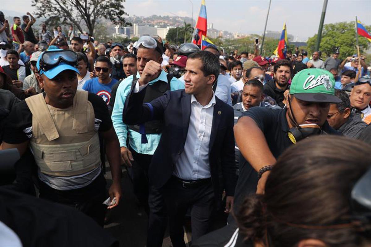 Venezuela, Juan Guaidó, Nicolás Maduro, Golpe, Embajadas,