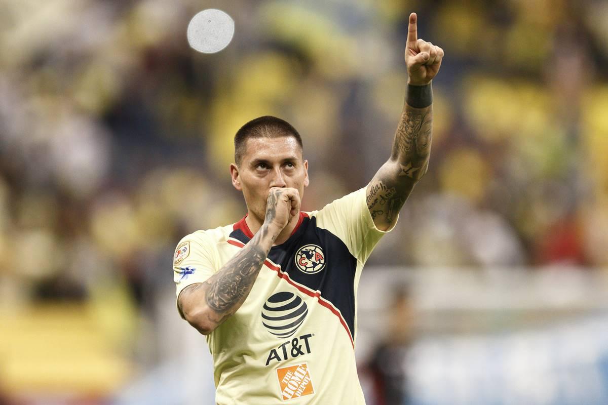 Nicolás Castillo arremetió en contra de Joserra. Foto; Cuartoscuro