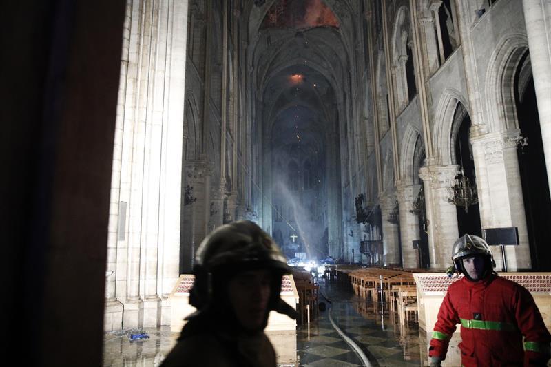 Notre Dame, Macron, París, Francia, Catedral, incendio, Iglesia,