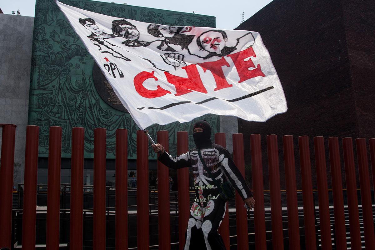 CNTE, Maestros, Cámara de Diputados, Reforma Educativa, Mario Delgado, Morena,