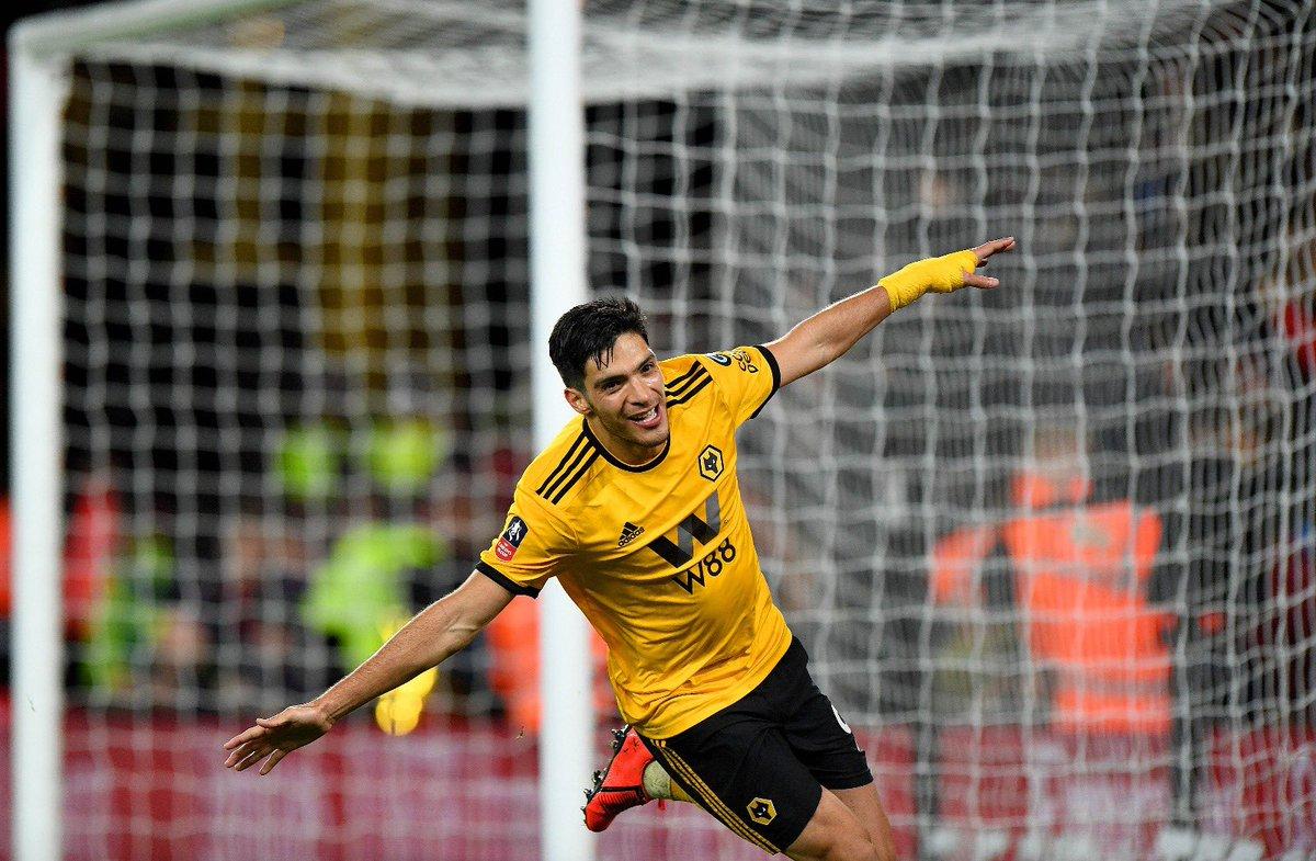Raul Jiménez firmaría cuatro años con Wolves. Foto: Twitter