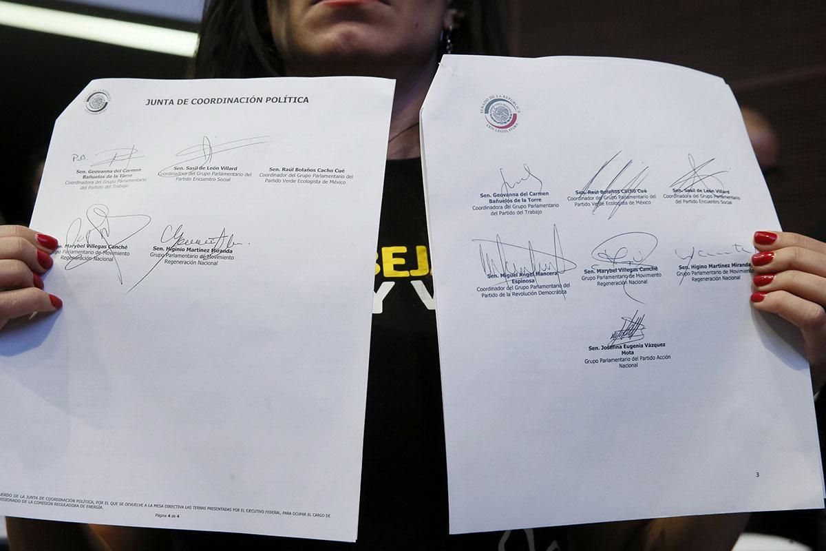 Falsificación, firmas, Kenia López Rabadán, Sasil de León Villard, PES, CRE, Senado,