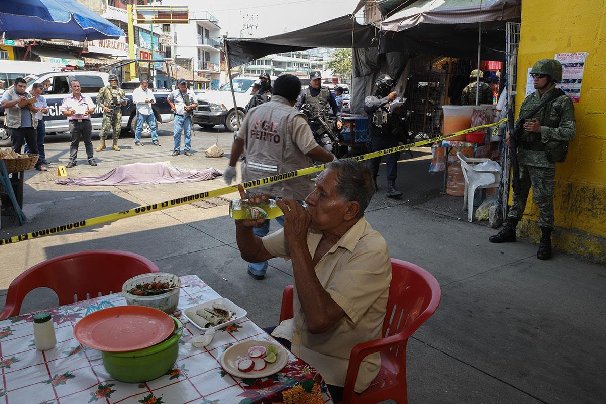 Acapulco, Guerrero, puestos de comida, comando armado,