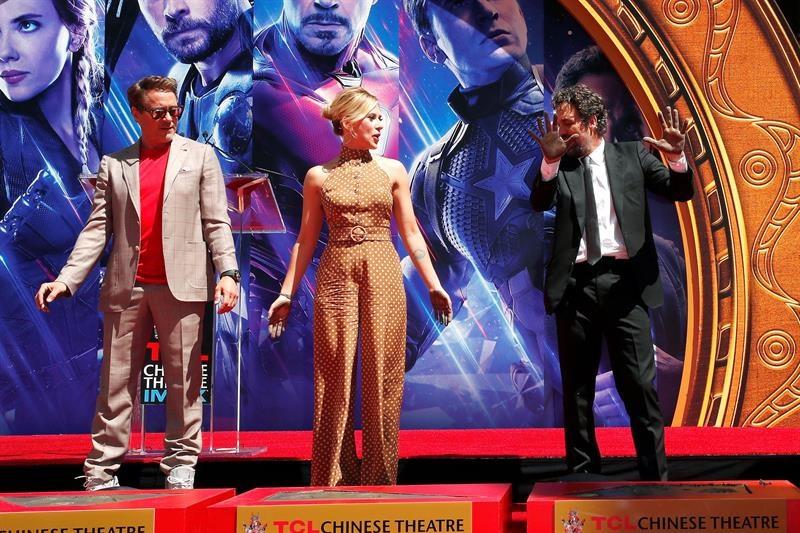 Avengers plasman sus huellas en el Paseo de la Fama de Hollywood
