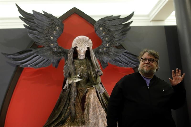 Del Toro inauguró su exposición