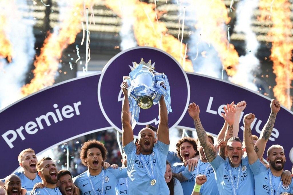 Manchester City. monarca de Inglaterra