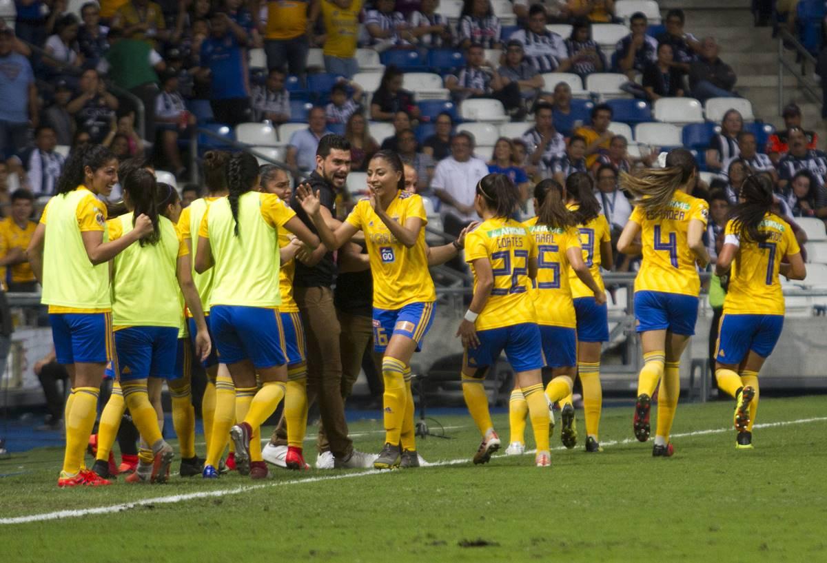 Tigres se impuso a Monterrey. Foto: Cuartoscuro