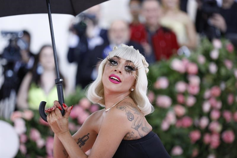 Lady gaga en la gala del MET