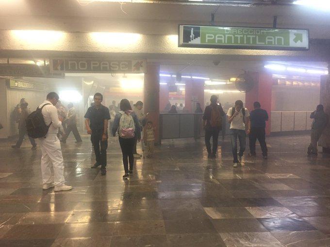 Balderas, metro, humo, Transporte público, CDMX