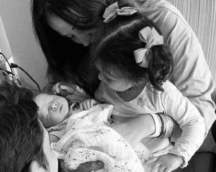 Zuria Vega bebé