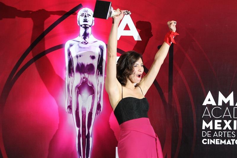 "Lila Avilés, cineasta, ganadora del Ariel a Mejor Ópera Prima por ""La camarista"""