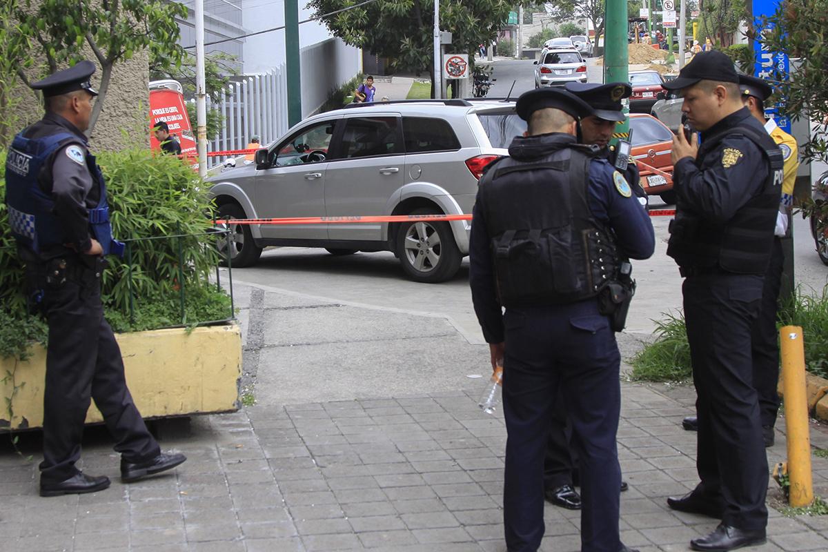 Gustavo A. Madero, camioneta, balacera, familia, seguridad,