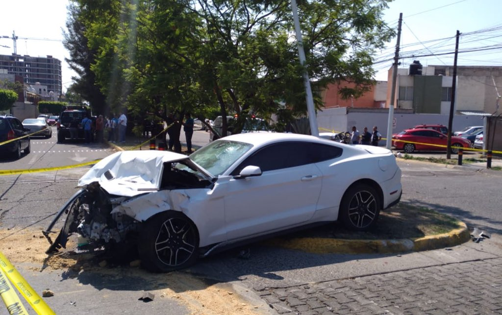Auto accidentado tras accidente. Foto: Twitter