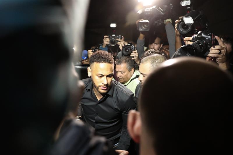 Neymar pidió que audiencia se realice en Barcelona. Foto: EFE
