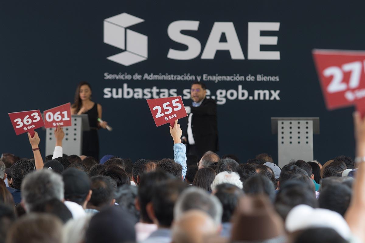 Subasta, SAE, Los Pinos
