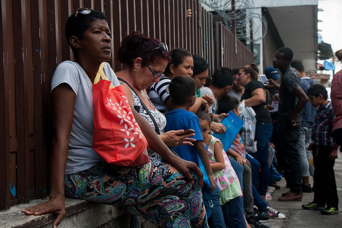 migrantes, africanos, haitianos, Tapachula, Chiapas, Instituto Nacional de Migración, Feria Mesoamericana,