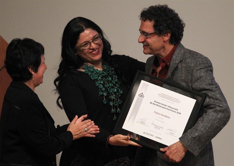 El escritor Fabio Morábito recibe el Premio Xavier Villaurrutia