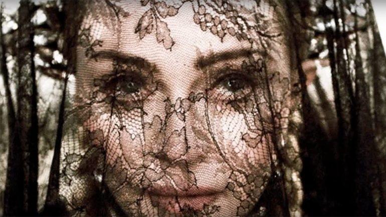 """Madonna estrenó el video de """"Dark Ballet"""""""