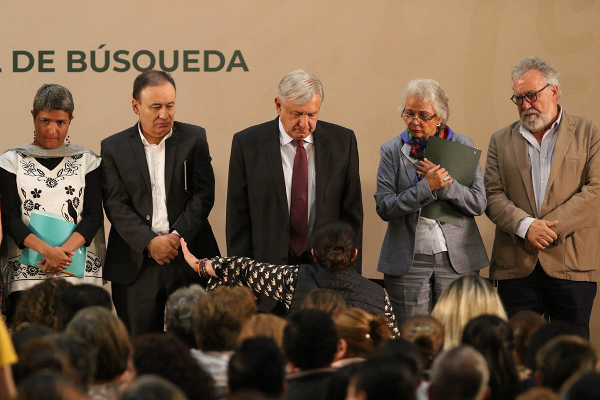Informe de Trabajo del Sistema Nacional de Búsqueda, madres, víctimas, gritos, López Obrador,