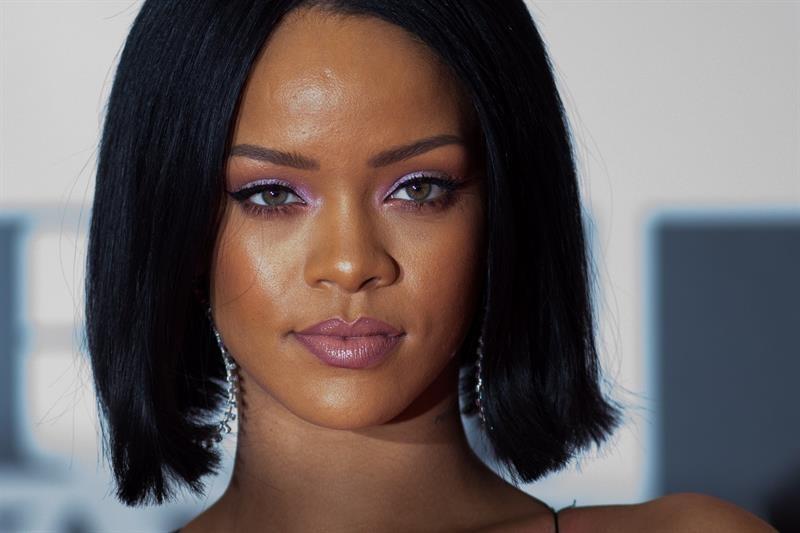 Rihanna es la artista más rica del mundo