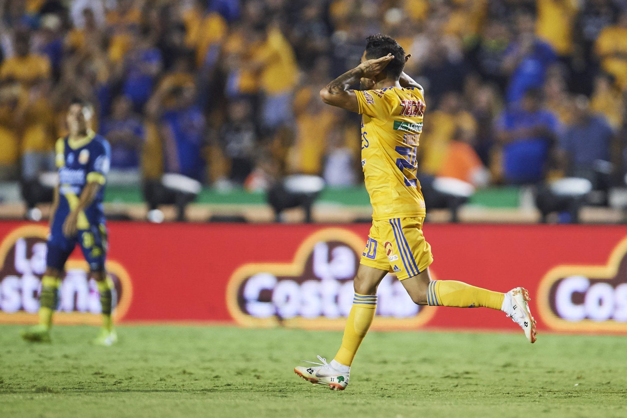Javier Aquino consiguió dos goles. Foto: Twitter