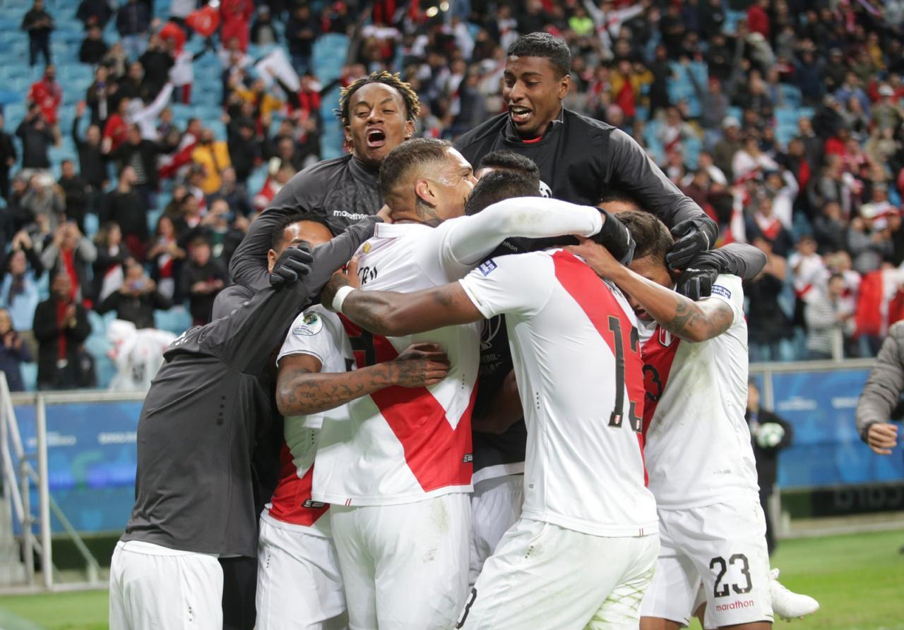Perú dio cuenta de Chile. Foto: Twitter