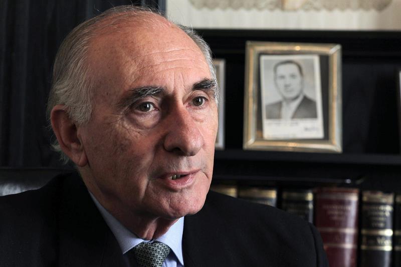 Fernando de la Rúa, Argentina, América Latina