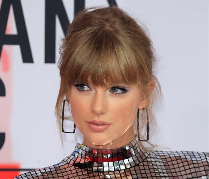 Taylor Swift pelea en redes