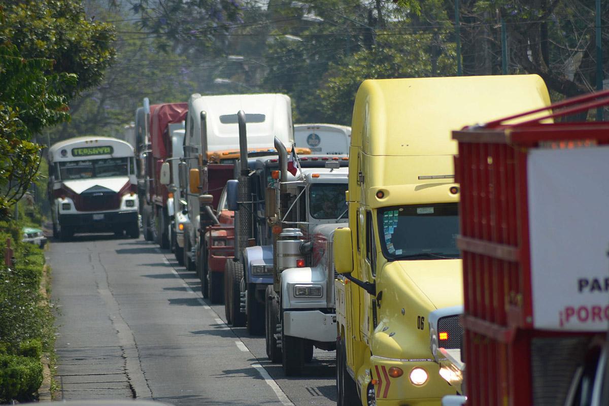 vehículos pesados, tráiler, automóviles,