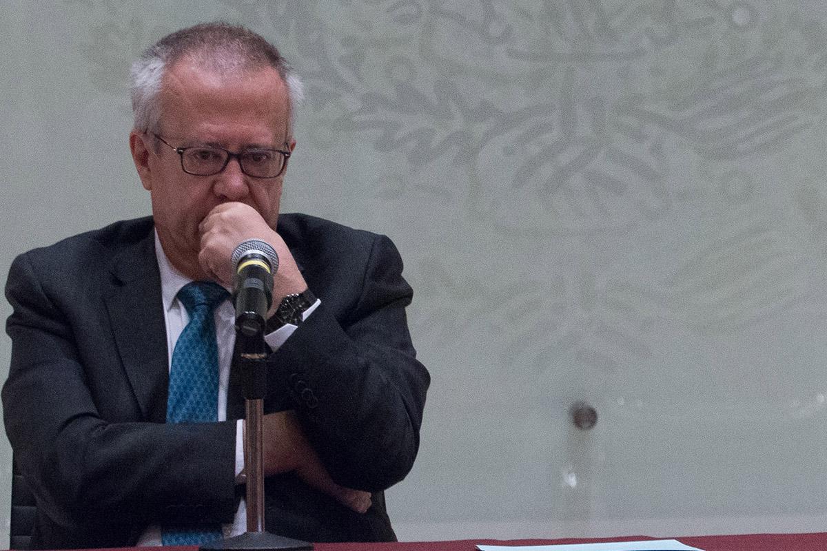 Carlos Urzúa, SHCP, Renuncia, Arturo Herrera, política económica,
