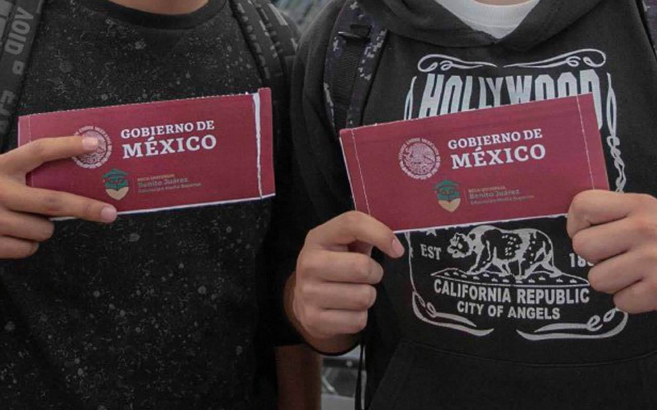 becas, AMLO, Mexicanos Contra la Corrupción y la Impunidad, Jóvenes Construyendo el Futuro,