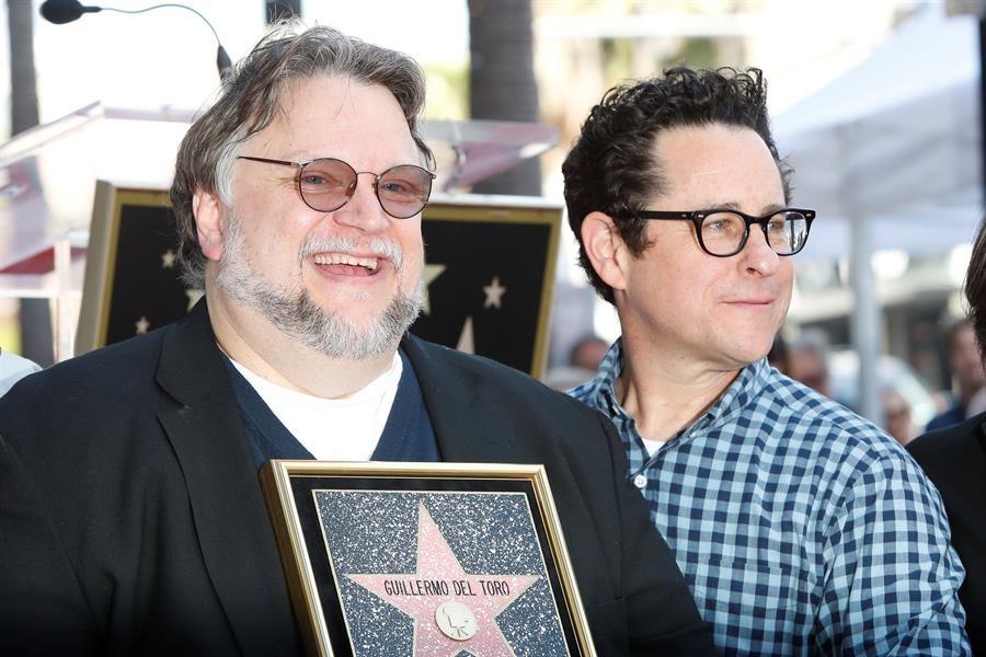 Guillermo del Toro recibió su estrella en el Paseo de la Fama/Foto: EFE