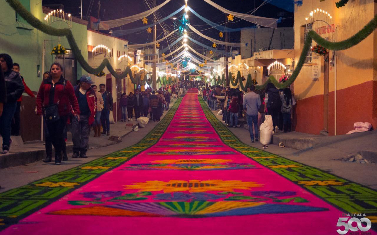 Huamantla, Tlaxcala, alfombras monumentales, Virgen de la Caridad, La Noche que nadie duerme,